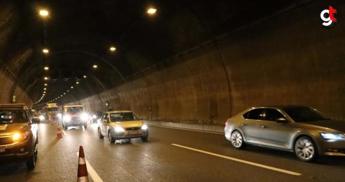 Bolu Dağı Tüneli'ndeki araç yangını ulaşımda aksamaya neden oldu