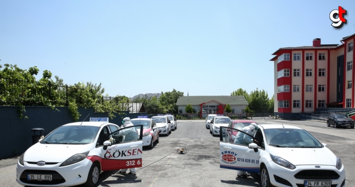 Çekemeköy'de, sürücü kursu araçları dezenfekte edildi
