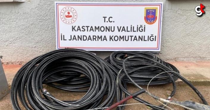 Cezaevinden çıktıktan sonra kablo hırsızlığı yaptıkları belirlenen 2 zanlı tutuklandı
