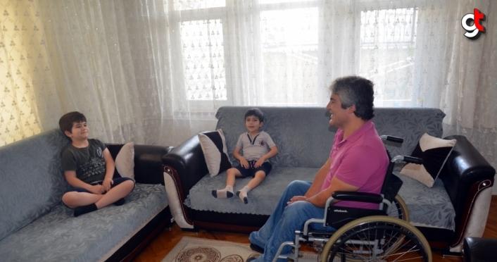 Engelli babanın en büyük mutluluğu çocukları