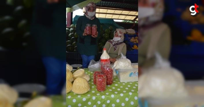 İnebolu'da dağ çileği pazara indi