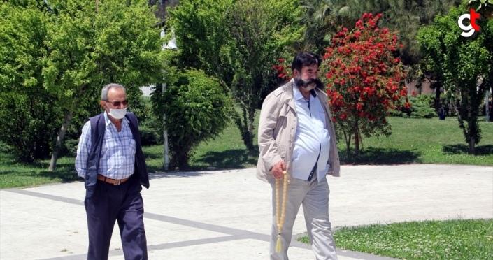 Karadeniz'de 65 yaş ve üzeri vatandaşlar bir hafta aranın ardından dışarı çıktı