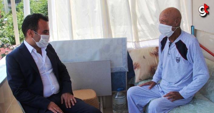 Kaymakam Çelik'ten Kıbrıs Gazisine Babalar Günü ziyareti