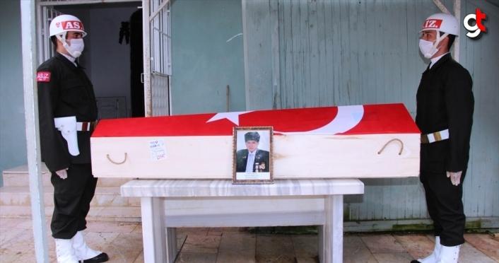 Kıbrıs gazisi Hüsnü Bolulu Amasya'da son yolculuğuna uğurlandı