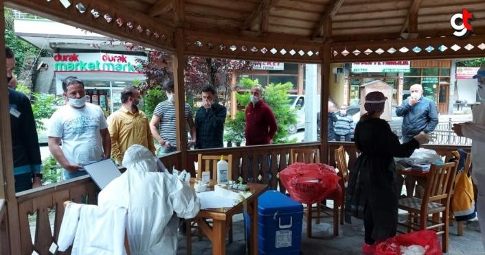 Rize'de kamu çalışanları ve esnafa Kovid-19 testi yapıldı