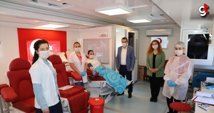 Trabzon'da Kovid-19'u yenen doktor immün plazma bağışçısı oldu