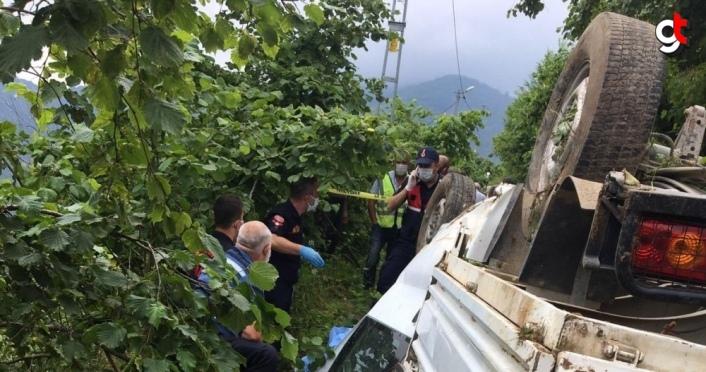 Trabzon'da uçuruma devrilen kamyonetin sürücüsü öldü