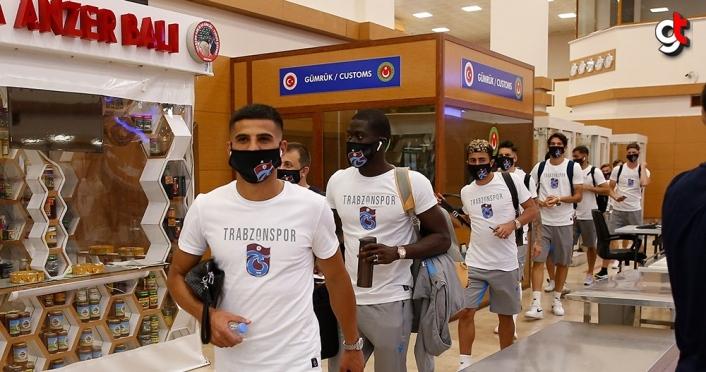 Trabzonspor kafilesi İzmir'e gitti