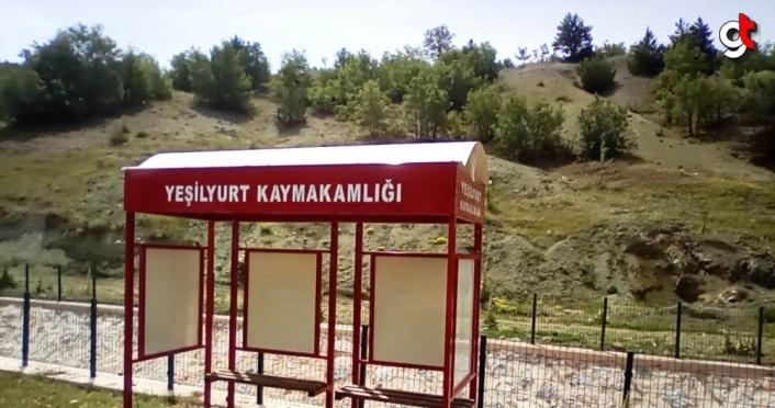 Yeşilyurt'ta köy öğrencileri için duraklar yapıldı