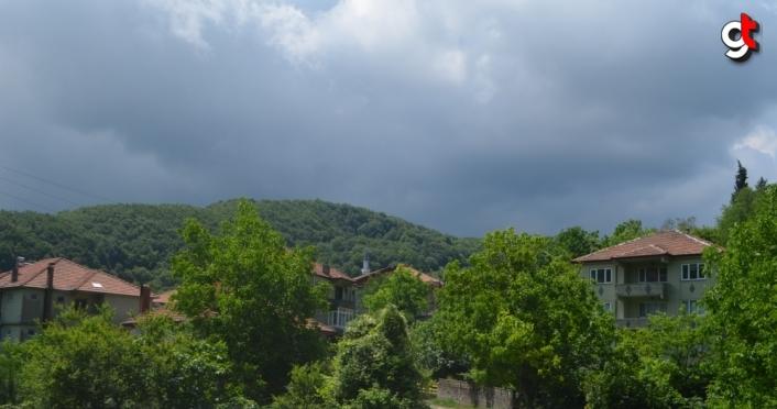 Zonguldak'ın Çaycuma ilçesinde 2 evin karantinaya alınması