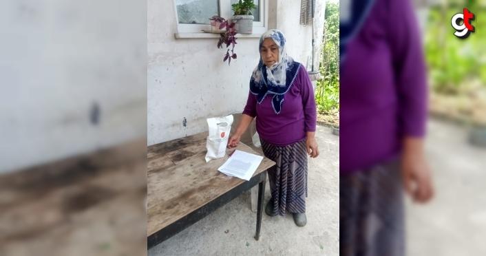 Zonguldak'ta 65 yaş ve üstüne maske ve kolonya dağıtıldı