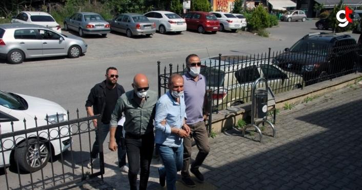 Zonguldak'ta boşandığı eşini silahla yaralayarak rehin alan zanlı adliyede
