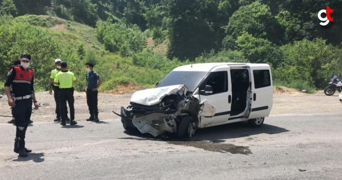 Zonguldak'ta iki aracın çarpıştığı kazada 10 yaşındaki çocuk öldü, 4 kişi yaralandı