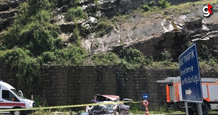 Zonguldak'ta otomobil alt yola düştü: 1 ölü, 1 yaralı
