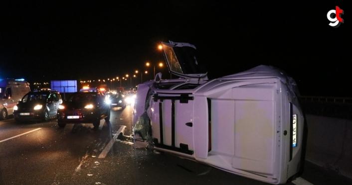 Anadolu Otoyolu'nda, pikapla yolcu otobüsü çarpıştı: 5 yaralı