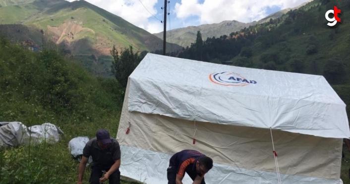 Artvin'de yangın nedeniyle mağduriyet yaşayan vatandaşların yaraları sarılıyor