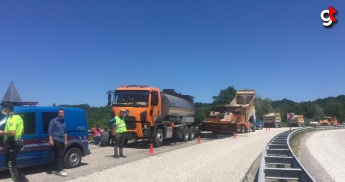 Bartın'da asfalt tankerinin altında kalan işçi ağır yaralandı