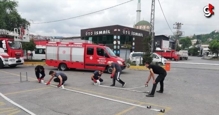 Gönüllü itfaiyeciler sahada ekiplere destek vermeye başladı