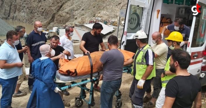 GÜNCELLEME - Artvin'deki selde kaybolan 3 kişinin cansız bedenine ulaşıldı