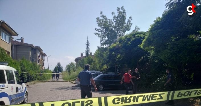 GÜNCELLEME - Düzce'de bir kişi otomobilde ölü bulundu