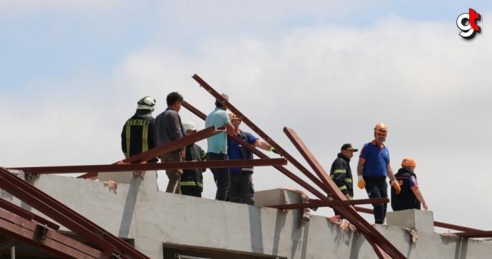 GÜNCELLEME - Kastamonu'da spor salonu inşaatının çelik çatısında çökme meydana geldi