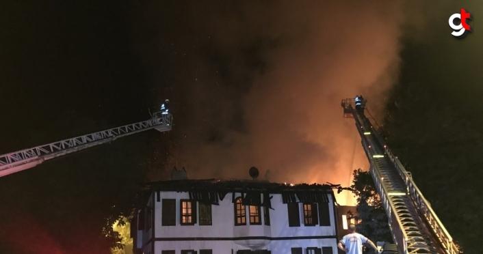 GÜNELLEME 2 - Safranbolu'da tarihi konakta yangın