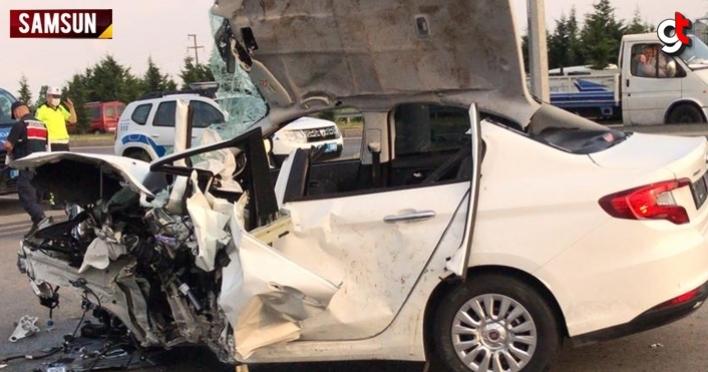 Samsun'da bariyere çarpan otomobilin motoru fırladı