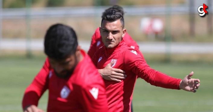 Yılport Samsunspor'da yeni transfer Vukan Savicevic ilk antrenmanına çıktı