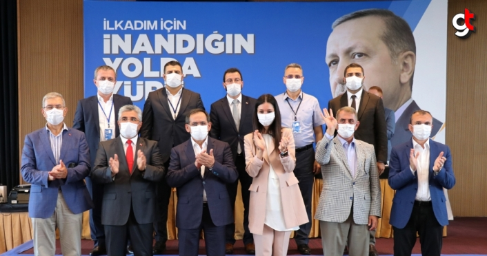 AK Parti Genel Başkan Yardımcısı Çiğdem Karaaslan İlkadım İlçe Kongresi'ne katıldı
