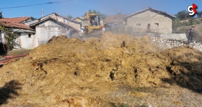 Amasya'da çıkan yangında yaklaşık bin balya saman yandı