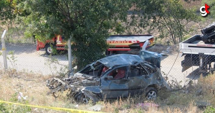 Amasya'da otomobil şarampole devrildi: 1 ölü, 2 yaralı