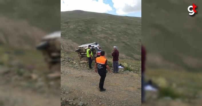 Bayburt'ta devrilen pikabın sürücüsü öldü