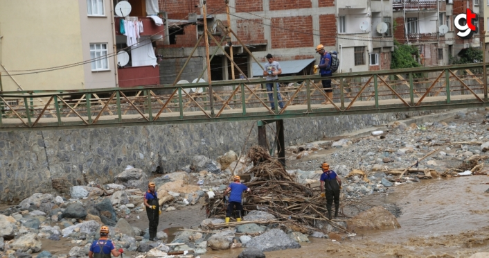 Dereli'de suya kapılarak kaybolan Akar'ı arama çalışmaları sürdürülüyor
