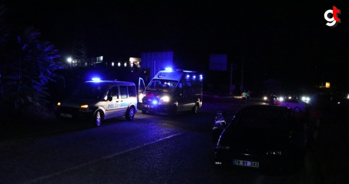 Karabük'te otomobiller kavşakta çarpıştı: 4 yaralı
