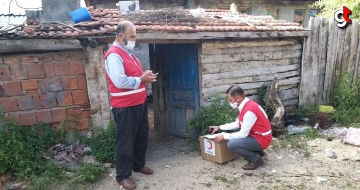 Kastamonu'da Türk Kızılay'dan 65 yaş üstü vatandaşlara gıda yardımı