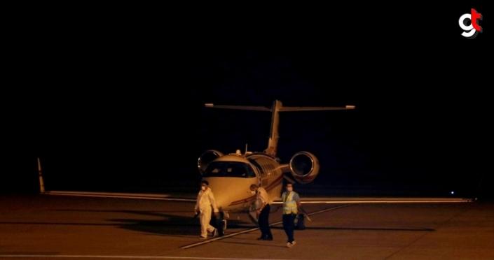 Rusya'daki Kovid-19 hastası Türk vatandaşı ambulans uçakla Türkiye'ye getirildi