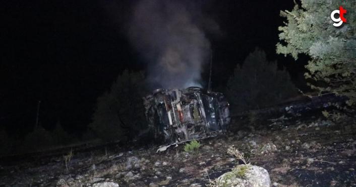Şarampole devrilen akaryakıt tankeri patladı: 1 yaralı