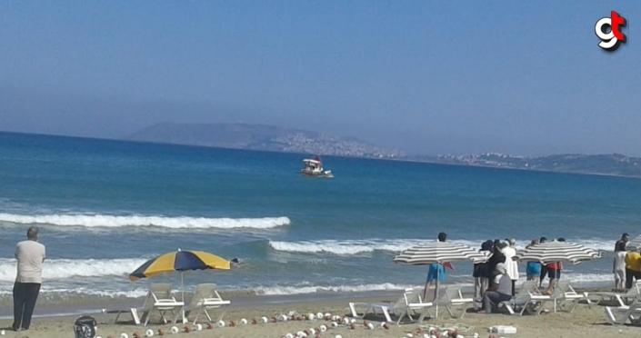 Sinop'ta denizde boğulma tehlikesi geçiren 3 kişi balıkçılar tarafından kurtarıldı
