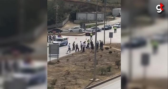 Sinop'ta dur ihtarına uymayan motosiklet polis aracına çarptı 2 kişi yaralı