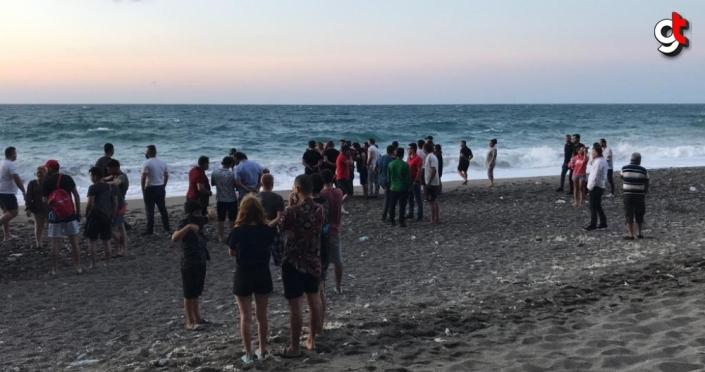 Zonguldak'ta koyda mahsur kalan 8 kişi için kurtarma çalışması başlatıldı