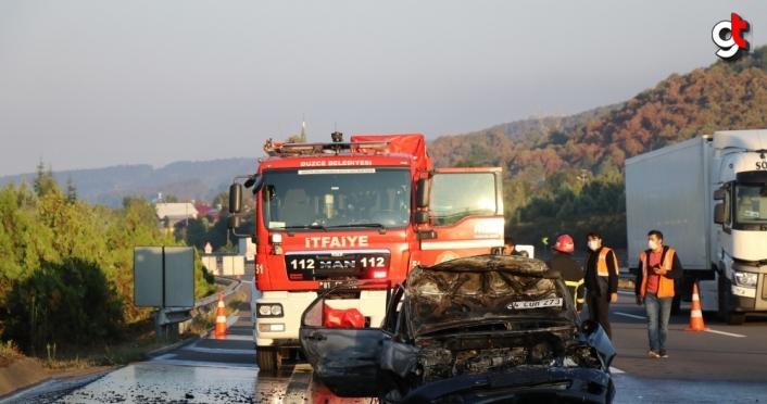 Anadolu Otoyolu'nda tıra çarparak yanan otomobilin sürücüsü yaralandı