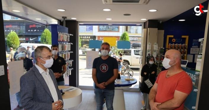 Artvin Valisi Yılmaz Doruk, Arhavi'de Kovid-19 tedbirlerini denetledi