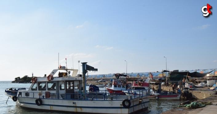 Batı Karadeniz'de balıkçılar sağanağın ardından yeniden denize açıldı
