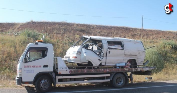 Bayburt'ta panelvan şarampole devrildi: 1 ölü, 3 yaralı