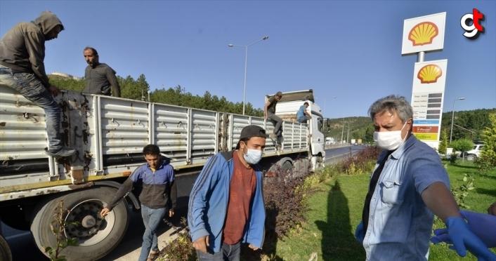 Çorum'da bir tırın dorsesinde 6 düzensiz göçmen yakalandı