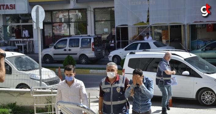 Çorum'da kuyumcudan yüzük çaldığı iddia edilen kişiyi esnaf yakaladı