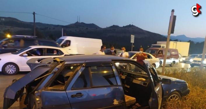 Ehliyetsiz sürücünün neden olduğu kazada 3 kişi yaralandı