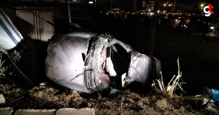 Samsun'da iki otomobil çarpıştı: 2 ölü, 3 yaralı