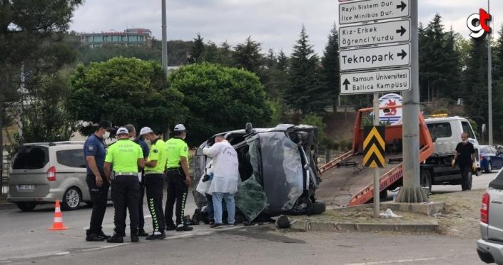 Samsun'da refüje çarparak takla atan otomobildeki 4 kişi yaralandı