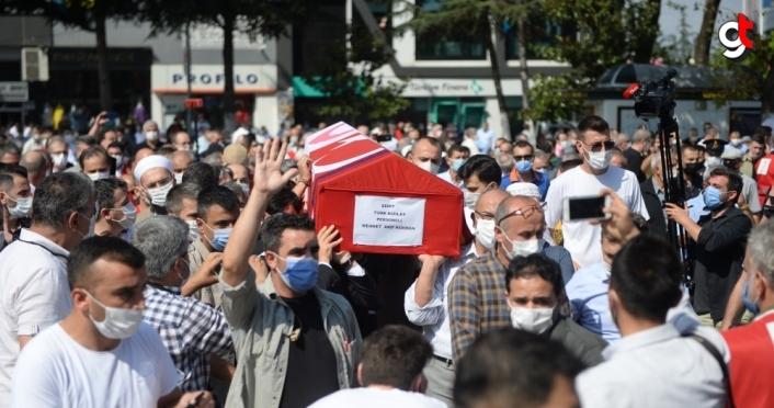 Suriye'de şehit olan Türk Kızılay personeli Arif Kıdıman'ın cenazesi toprağa verildi